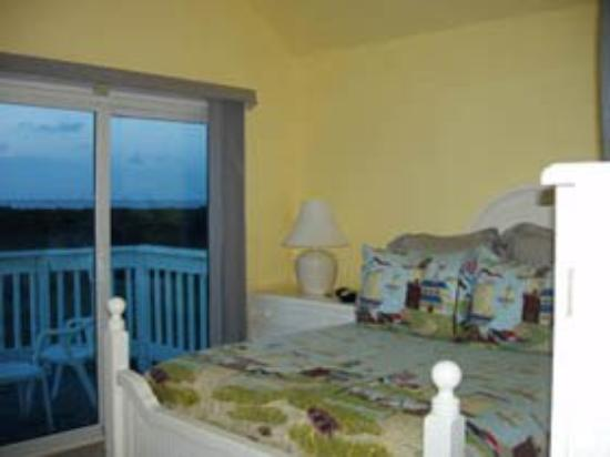 Luxury Living Savannah Tybee: Guest Room 2