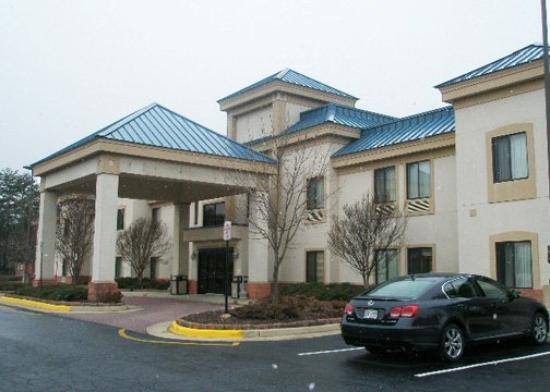 Quality Inn and Suites Quantico, VA: Exterior