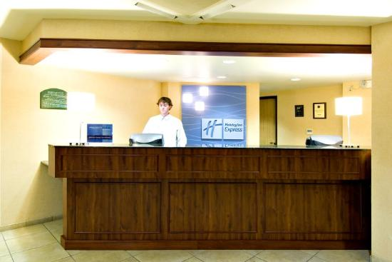 Holiday Inn Express Springfield: Recepção