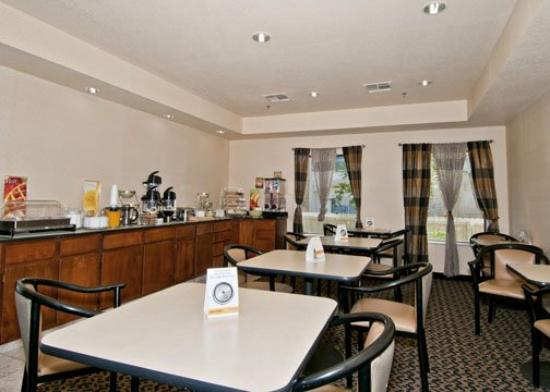 Quality Inn & Suites: TXEBreakfast Area