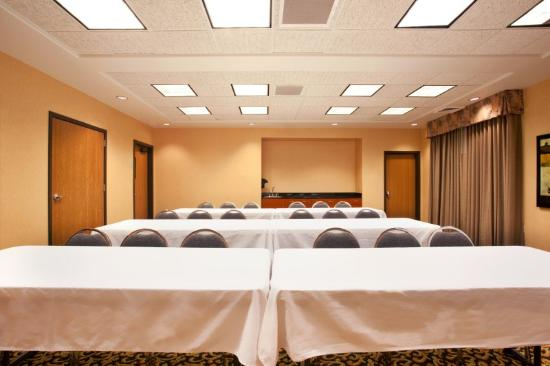 Holiday Inn Express Hotel & Suites Rockford - Loves Park: Sala de reunião