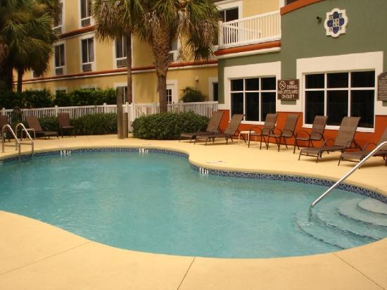 Holiday Inn Express - The Villages: Swimming Pool