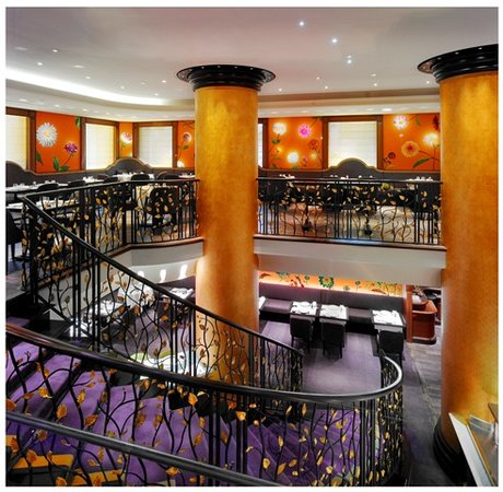Le 114 faubourg paris restaurant reviews phone number for Piscine 75008
