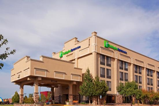 Holiday Inn Express Hotel & Suites Aurora: Fachada do hotel