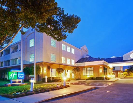 Holiday Inn Express San Jose International Arpt: Fachada do hotel