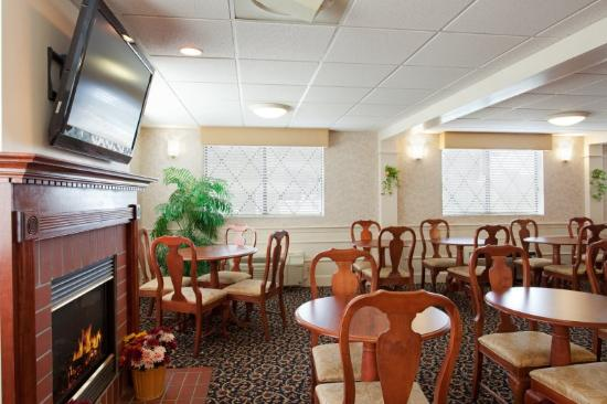 BEST WESTERN PLUS The Inn at Sharon/Foxboro: rea de caf da manh