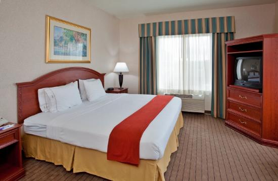 Holiday Inn Express Suites Independence: Quarto