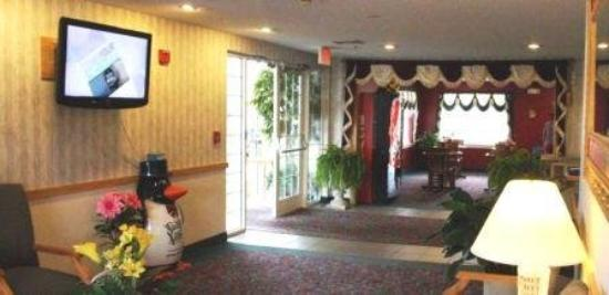 Coos Motor inn: Lobby