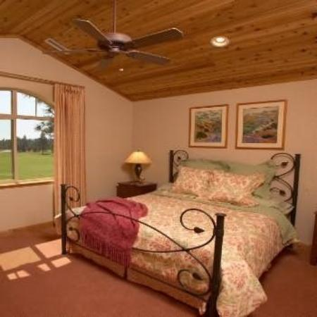 The Cottages At Bailey Creek: Guest Room