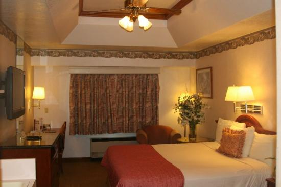 Valley Park Hotel: King Bed