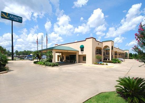 Quality Inn: Exterior