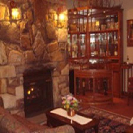 Brandywine River Hotel: Lobby Bar FP