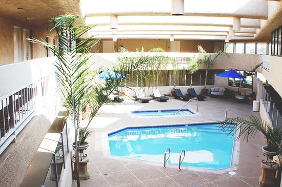 The Pacific Inn: Pool Area