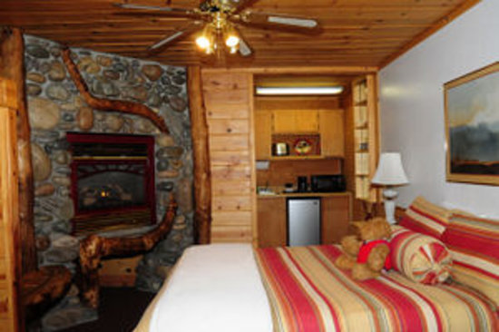 Heavenly Valley Lodge Bed & Breakfast: Ideal room for a romantic getaway