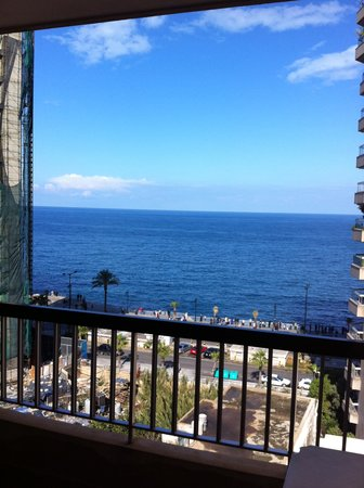 Seaside Furnished Flats: Vue de la terrasse