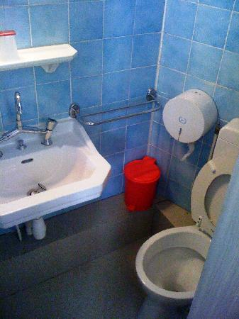 Hotel Chalet Saint Louis: Toilet