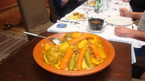 Riad Ajmal: tres bon couscous