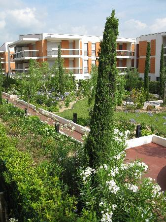 Residence Goelia Royal Cap: Neighbouring Gardens