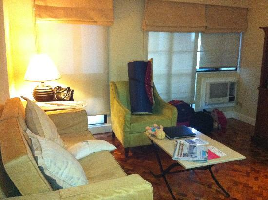 ‪‪Somerset Olympia Makati‬: living room‬