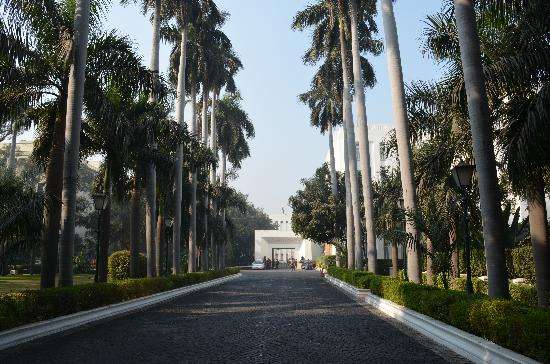 The Imperial Hotel: Gardens