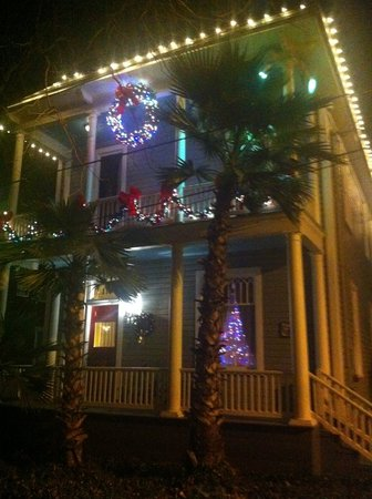 Arbor House Suites Bed and Breakfast: Abor House at Xmas
