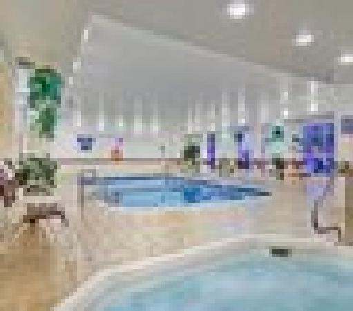 Comfort Inn Oklahoma City: Pool and Hot tub