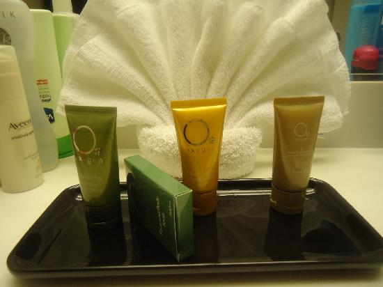 Tropicana Inn & Suites: toiletries