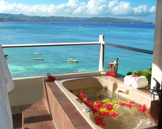 Nami Resort: Jacuzzi at the balcony