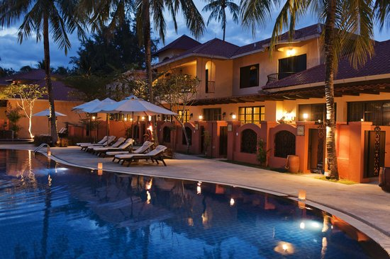 Casa del Mar, Langkawi: Evening by the pool