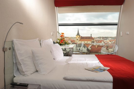 Design Metropol Hotel Prague: Superior double Castle view