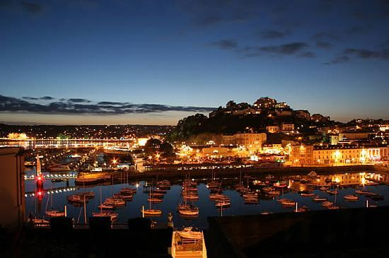 Kingsholm Hotel: Torquay Harbour at Night