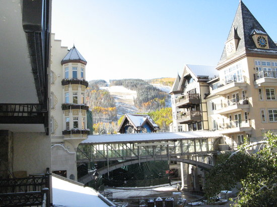 Lifthouse Condominiums: The view from our balcony after an early Fall snow