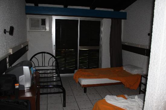 Tontoutel Hotel: View of the room