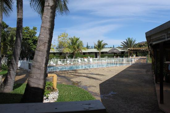 Tontoutel Hotel: Swimming pool