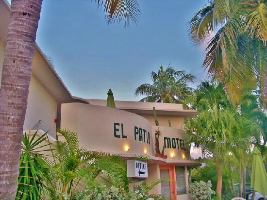 the parking lot picture of el patio motel key west tripadvisor