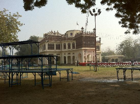 Khaas Bagh Jodhpur: view of main building from breakfast table