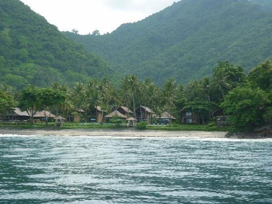 Mangsit, Indonesien: View of Jeeva from the sea