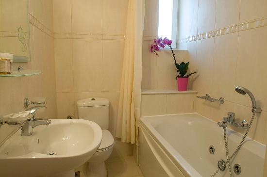 Agrabeli Mare Apartments: bathroom
