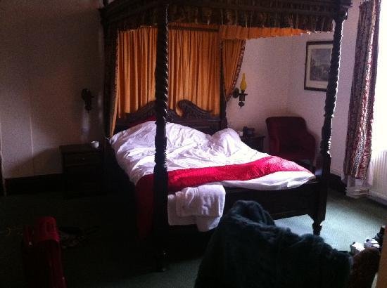 Punch House Monmouth: The 4 Poster Bed :-)
