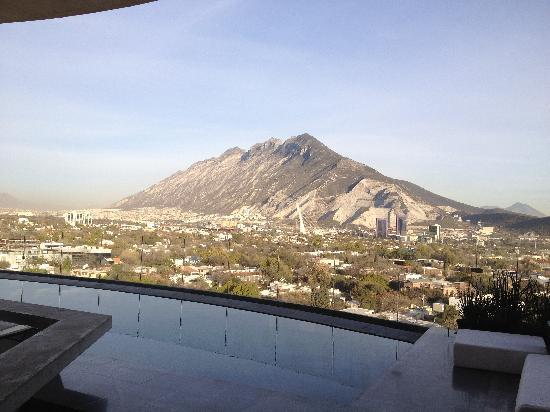 Habita MTY: View from the pool bar in the early morning