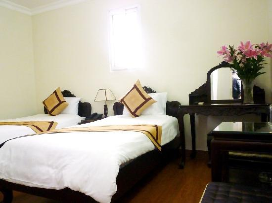 Duc Thai Hotel: Twin room