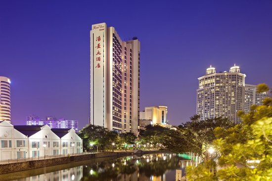 Night Facade of Riverview Hotel Singapore