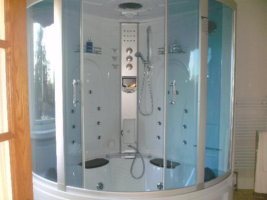 complicated fancy shower cubicle picture of the pines hotel clayton le woods tripadvisor. Black Bedroom Furniture Sets. Home Design Ideas