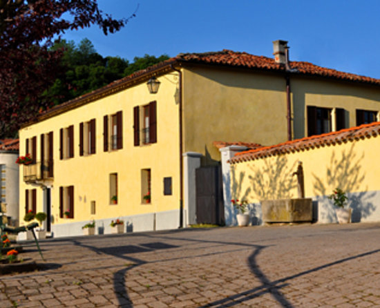 Photo of Villa Favolosa Bed & Breakfast Montaldo di Mondovi