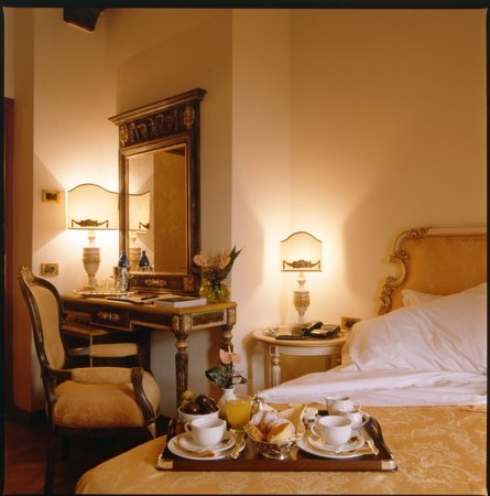 Hotel Palazzo Alexander: Room &quot;Gianni Schicchi&quot;