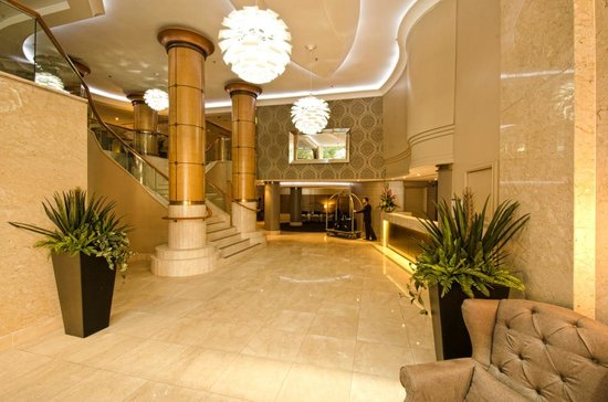 Radisson Hotel And Suites Sydney: Hotel Lobby