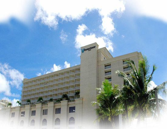Holiday Resort &amp; Spa Guam: Hotel Exterior
