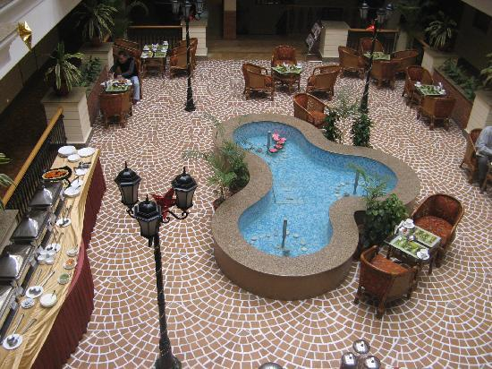 Savoy Suites: The hotel atrium