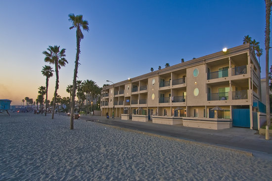 Southern California Beach Club: It's all about the Beach!