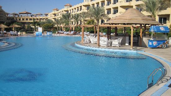 lovely swimming pools - Picture of Amwaj Blue Beach Resort & Spa ...